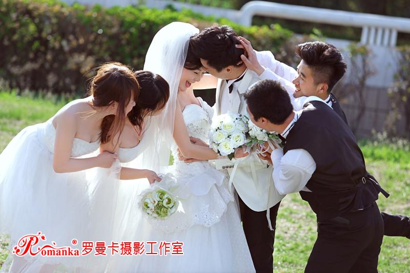 选择婚纱照服装