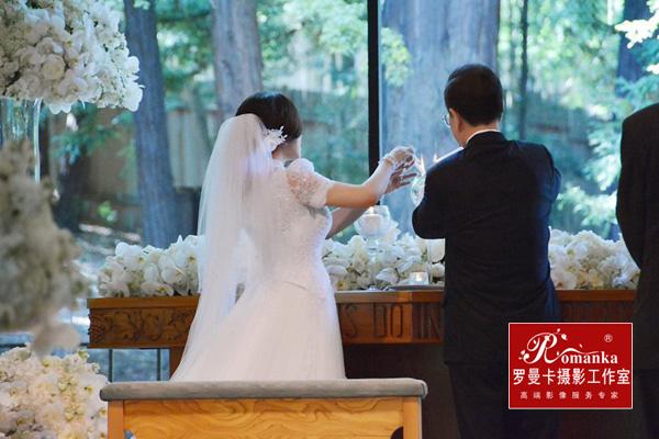 刘晓庆结婚婚纱照