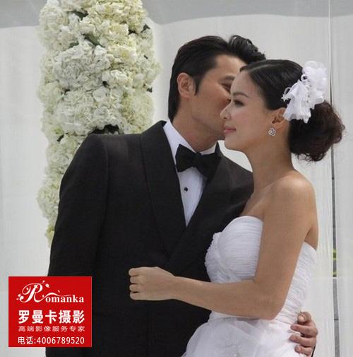 杨采妮婚纱照